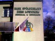 Dzień Flagi 2015 - Bank Spółdzielczy w Zdunach; Oplątana flaga !!!